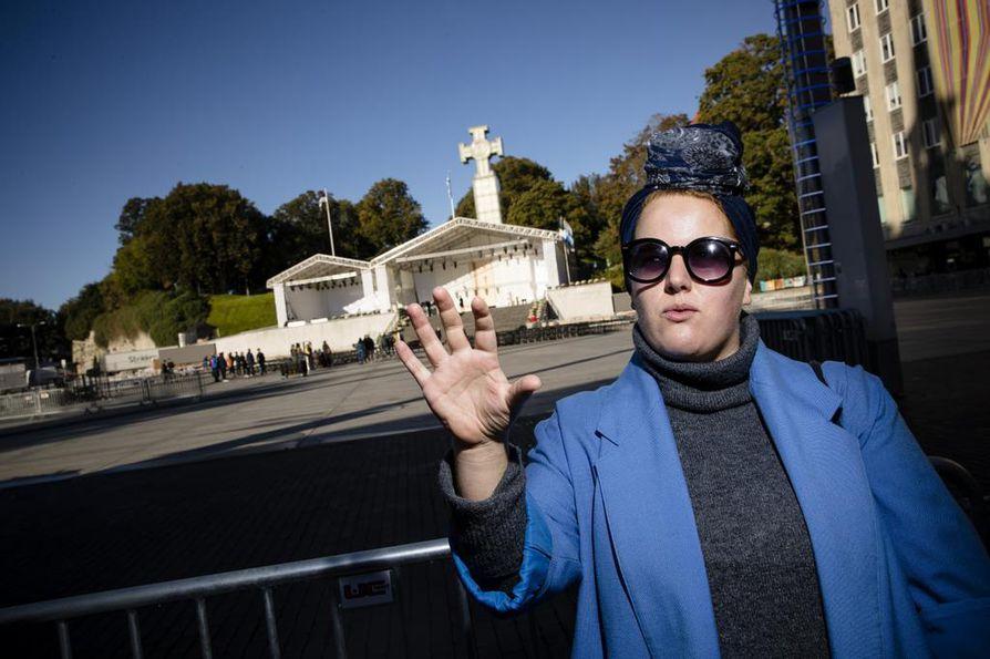 Tallinnalainen Mari Volar arvioi, että paavi Franciscuksen vierailu voi muistuttaa virolaisia uskonnon merkityksestä maailmassa.