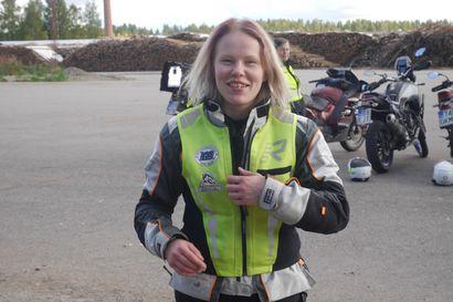 """Vuoden moottoripyöräkouluttaja, oululaislähtöinen eläinlääkäri Laura Liimatta: """"Motoristeilla on vastuu myös muista tielläliikkujista"""""""