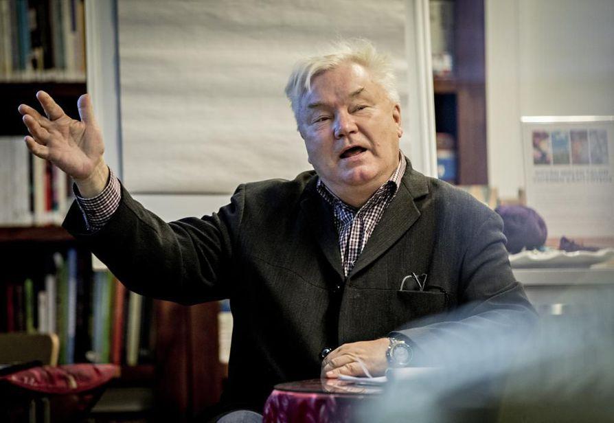 Psykologi Jussi Tukiainen oli keskiviikkona puhumassa Näkökulmia mieheksi ja miehenä kasvamiseen -tilaisuudessa Oulussa.