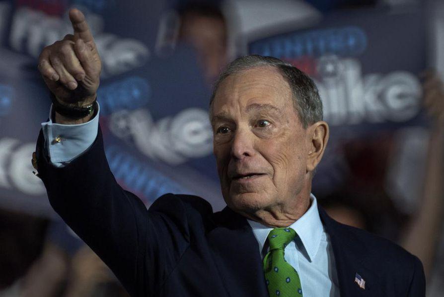 New Yorkin entinen pormestari Michael Bloomberg on ison rahan tulokas demokraattien presidenttikilvassa. Hän on omistaa muun muassa nimeään kantavaa talousmediaa.