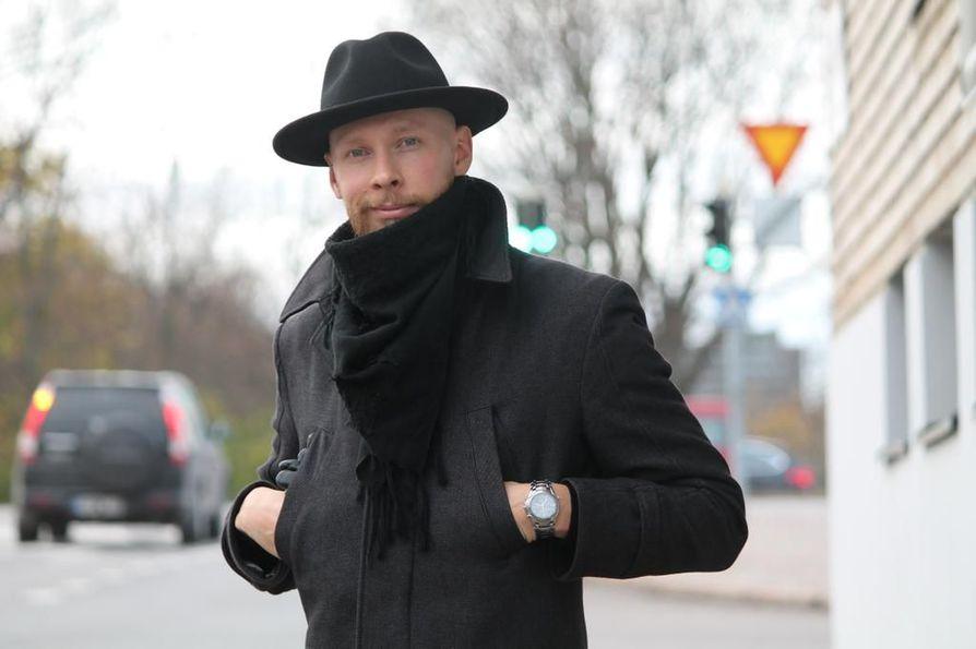 Oululaislähtöinen taikuri Joni Pakanen sanoo, että yrittäjyys on yksi hänen elämänsä hienoimpia asioita.