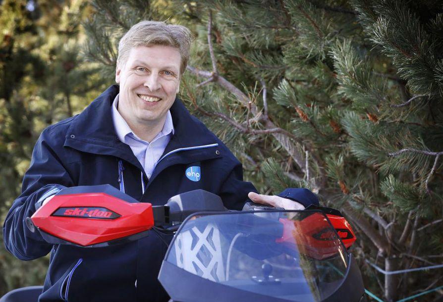 Toimitusjohtaja Jaakko Seppälä harrastaa veneilyä, moottorikelkkailua ja hiihtoa. Hänen mukaansa luonnossa oleminen on hyvää vastapainoa työlle.