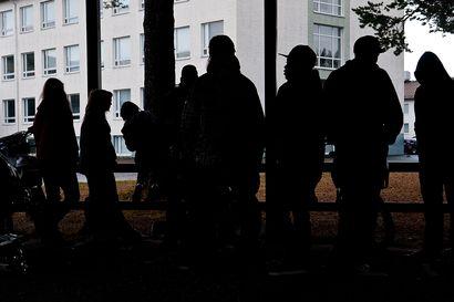 Alle 30-vuotiaat kokevat eniten kuormitusta koronakriisissä - keskusteluapua kaivataan