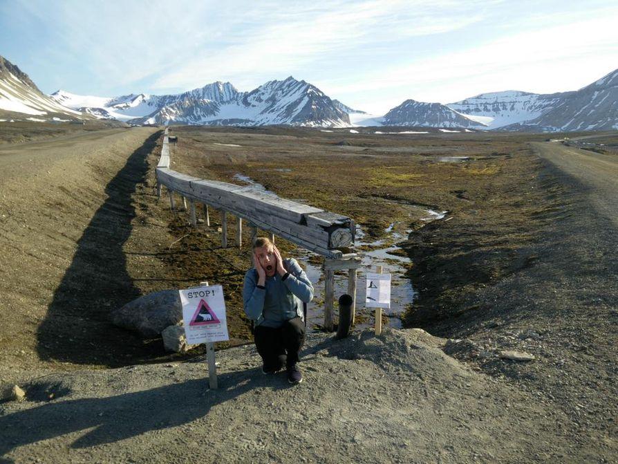 Huuto jääkarhujen maan rajalla Ny-Ålesundissa.
