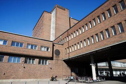 Syyte: Mies valmisteli pommi-iskua Helsingin keskustaan, kohteena ulkomaalaiset ja muslimit – Poliisin testin mukaan koeräjähde olisi jäänyt suutariksi