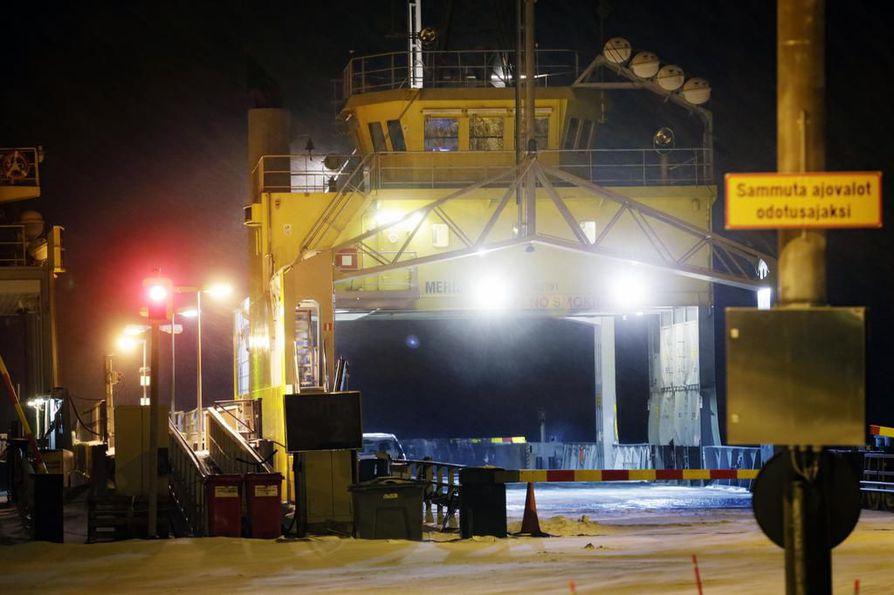 Hailuodon lauttaliikenne maksaa tällä hetkellä noin 5,8 miljoonaa euroa.