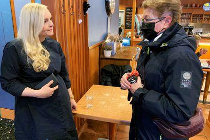 1,5 vuotta poikkeustilaa sai haaparantalaisisän Suomen sisäministerin juttusille – raja-alueen arkimurheet, koronapassi, kaivoskysymykset ja poliisiyhteistyö nousivat keskusteluun