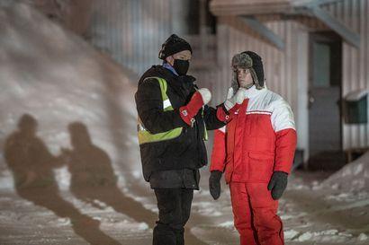 """Miksi Metsurin tarina kuvataan juuri Kuusamossa? Ohjaaja paljastaa, että päähenkilöllä on esikuva Koillismaalla: """"Täällä pohjoinen luonteenlaatu on syvimmillään"""" –Koillissanomat pääsi seuraamaan elokuvan kuvauksia"""