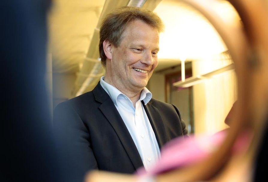 Hannu Takkula (kesk.) palaa takaisin europarlamentaarikoksi.