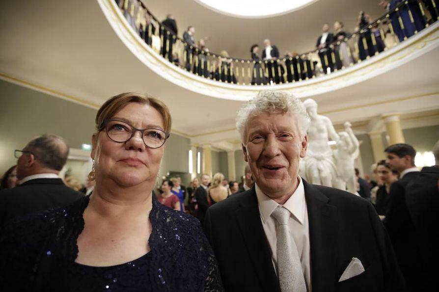 Aimo Karppinen tuli Linnaan yhdessä vaimonsa Kaijan kanssa.