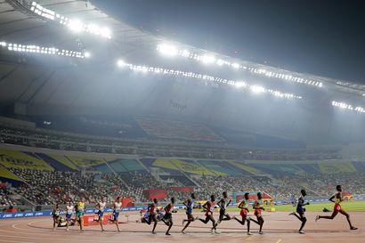 Qatarilaiset jäivät kotiin - Dohan MM-kisojen yleisökatoa yritetään peitellä, mutta se näyttää pahalta ja harmittaa urheilijoita