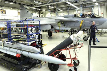 Ruotsalaisen Saabin uuden hävittäjän testiviikko alkaa Pirkkalassa – Gripen E lentää ensimmäisestä kertaa Ruotsin rajojen ulkopuolella