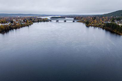 Vedenkorkeus vaihtelee keskiarvon molemmin puolin – Itä-Lapissa kesä oli kuivempi ja vedenpinta nyt alempana kuin Länsi-Lapissa
