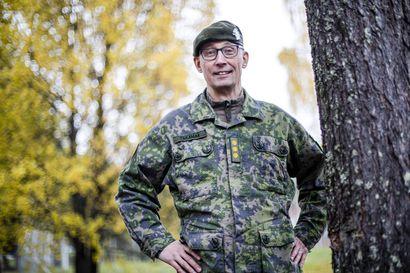 Jääkäriprikaatin uusi komentaja on tottunut vaihtamaan paikkakuntaa työn perässä – pestejä konkarilla takana jo tusina