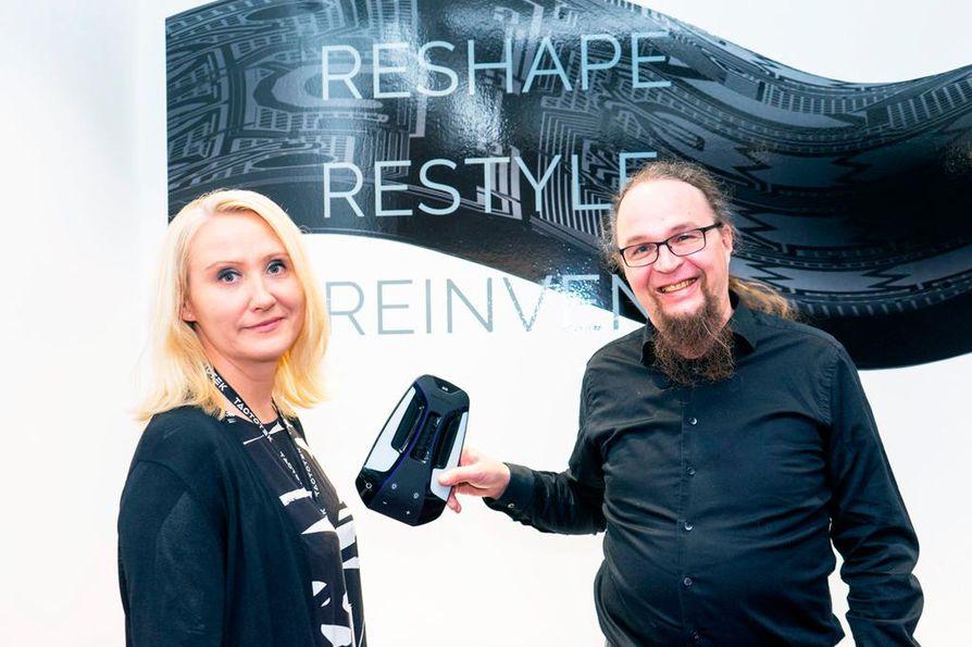 Vuonna 2011 toimintansa aloittanut TactoTek on nyt kasvuvaiheessa, kertovat henkilöstöjohtaja Anna-Maria Heikkinen ja teknologiajohtaja Antti Keränen.