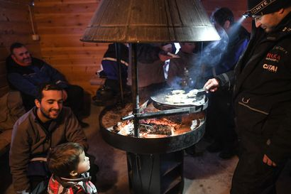 Pohjois-Kuusamon yrittäjät lähtevät matkailumessuille – Iso-Syötteen palaneen hotellin evakot paistavat pilkkimiään ahvenia