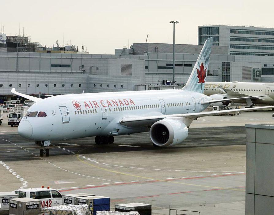 Air Canadan Boeing 787-7 Dreamliner -matkustajakone Frankfurtin lentoasemalla Saksassa elokuussa 2018. Kuvan kone ei tiettävästi liity tapaukseen.