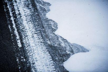 Henkilöauto ja rekka kolaroivat Utajärvellä, yksi loukkaantui – ajokeli erittäin huono pöllyävän lumen vuoksi