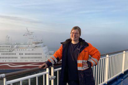 Merikaupungin tytöstä tulikin merimies: Kaisa Keränen seilaa Naantalin ja Kapellskärin väliä
