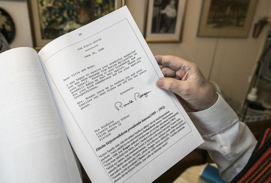 Ronald Reagan teki imatralaislapsiin vaikutuksen rauhantahdollaan ja lapset Reaganiin huomiollaan, kirje vuodelta 1988 osoittaa.