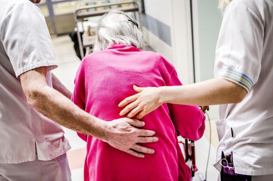 SuPer ja Tehy haluavat nostaa hoitoalan ammattilaiset palkkakuopasta. Arkistokuva.
