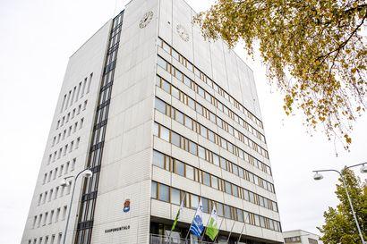 Kemin kaupunginhallitus valitsi kaupunginjohtajan sijaiseksi Jukka Vilénin ja virkahaastatteluihin neljä henkilöä – nimet julkistetaan tiistaiaamuna