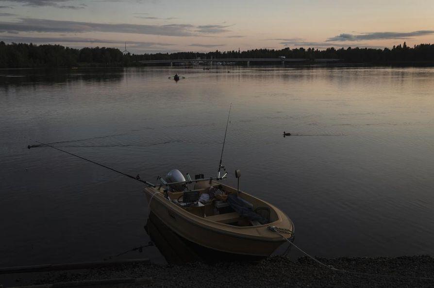 Seppo Salon vene Merijalin rannassa.