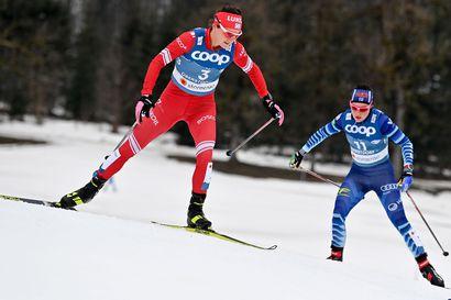 """""""Aika murhaava"""", arvioi Krista Pärmäkoski lähes kahden minuutin eroa MM-kultaa hiihtäneeseen Therese Johaugiin"""