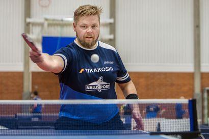 Torniolainen MIka Sorvisto urakoi veteraanien SM-pöytätenniksessä 25 ottelua ja voitti SM-kultaa