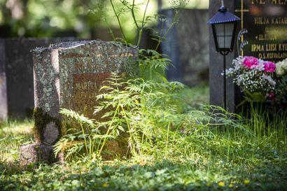 Hautakivikauppoja hierottu Siikalatvalla härskeimmillään jopa kesken hautajaisten – tuomiokapituli laittoi lopun seurakuntamestarien sivubisnekselle