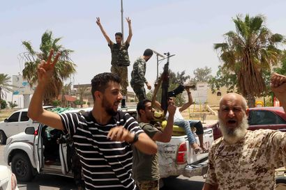 Sisällissotaan ajautuneesta Libyasta uhkaa tulla uusi Syyria – Egypti uhkaa sotilaallisella väliintulolla