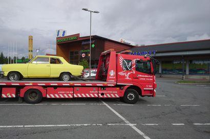 """Mystisesti parkkipaikalla liikkunut keltainen Kadett sai lähdöt Kiimingistä – """"Tuli mieleen, ettei se pääse karkuun"""""""