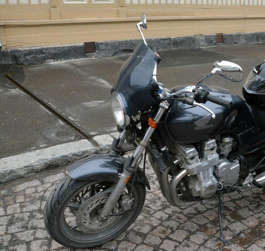 Moottoripyörä Pysäköinti
