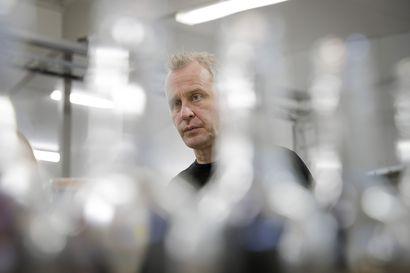 """Tyrnävällä riittää pirtua, mutta sitä ei vielä myydä käsideseihin – Toimitusjohtaja Ilpo Sulkala: """"Kyllä minulle on jo soiteltu eri tahoilta, että heillä olisi pumppupulloja"""""""