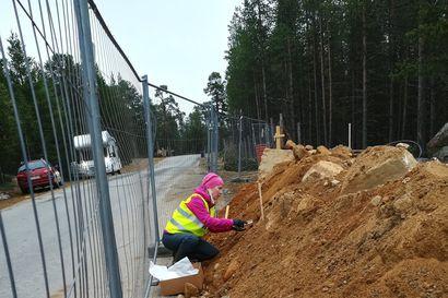 Kaivinkone paljasti ihmisen luita – Siidan rakennustyömaalla on löydetty ainakin kolmen ihmisen jäänteitä