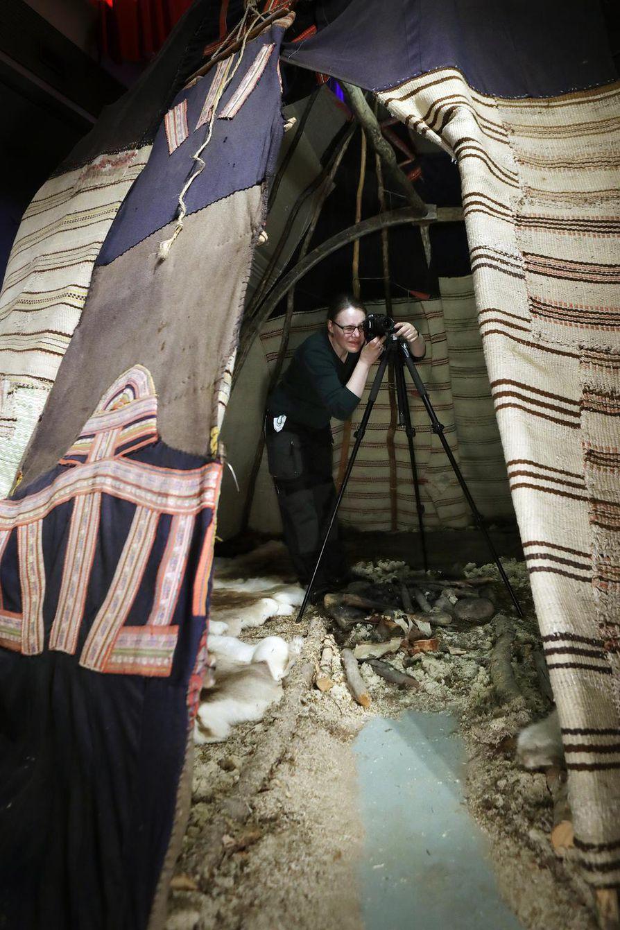 Loude- eli telttavaatekota tuli museolle lahjoituksena 1950-luvulla.