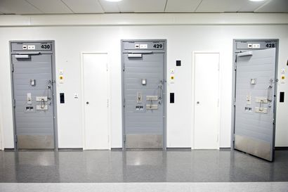Vankiloissa kovat otteet käyttöön: näin muita vankeja ja henkilökuntaa terrorisoivat liivijengiläiset laitetaan kuriin
