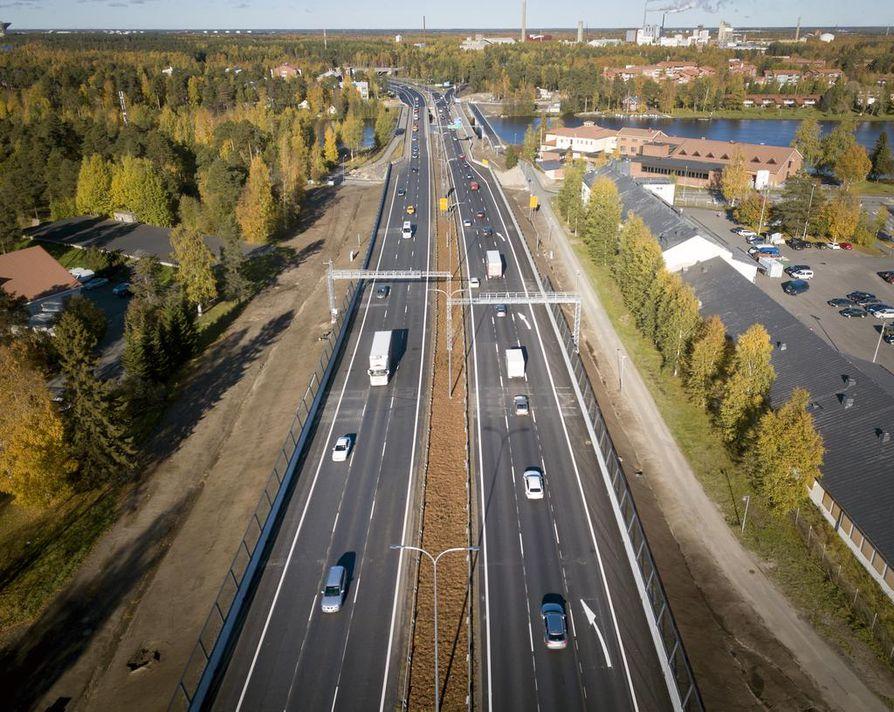 Kontinkankaan ja Laanilan kohdilla remontti on tänä syksynä valmis. Moottoritien osuus tulee lopulta olemaan kokonaan kuusikaistainen.