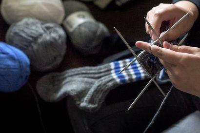 Varpaat lämpimäksi -tempaus – villasukkia lämmittämään pelastajien varpaita