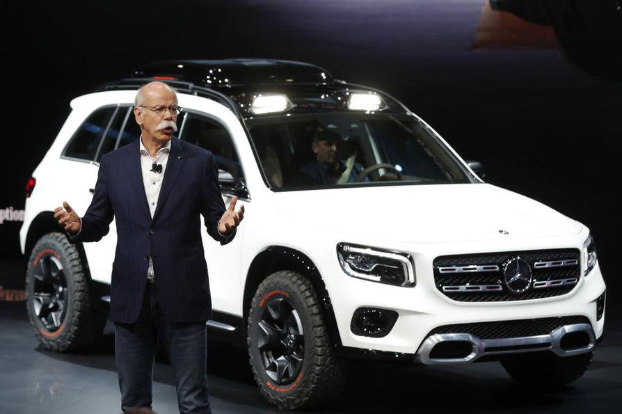 Dieter Zetsche johti Daimler-yhtiötä 13 vuotta. Hänestä itsestään tuli tavaramerkki mahtavine mursuviiksineen.