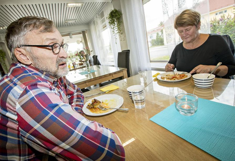 """""""Kun Pyhäjokitalosta päätettiin kunnan 150-vuotisjuhlakokouksessa, paikalla oli 70 kuntalaista"""", kaupunginhallituksen ja valtuuston jäsen Raino Peltoniemi (kok.) kertoo."""